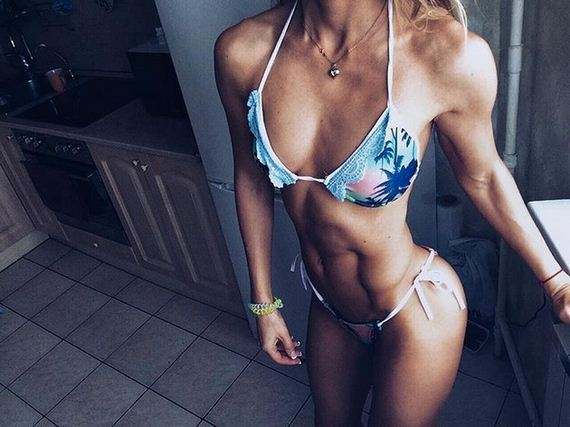 05-girls-with-abs