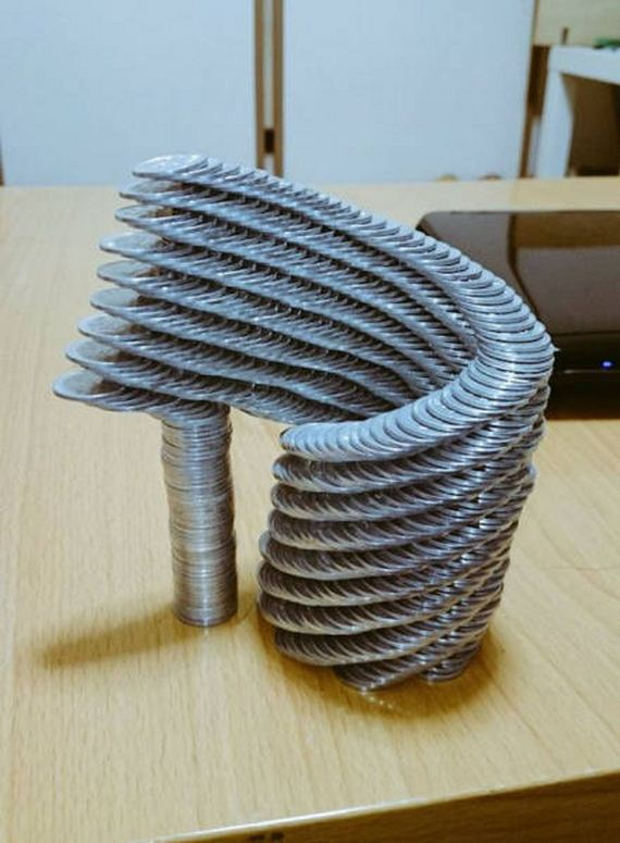 07-japanese_guy_took_coin_stacking
