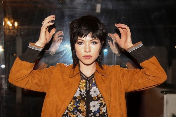 09-carly-rae-jepsen