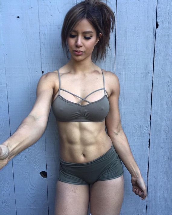 09-girls-with-abs