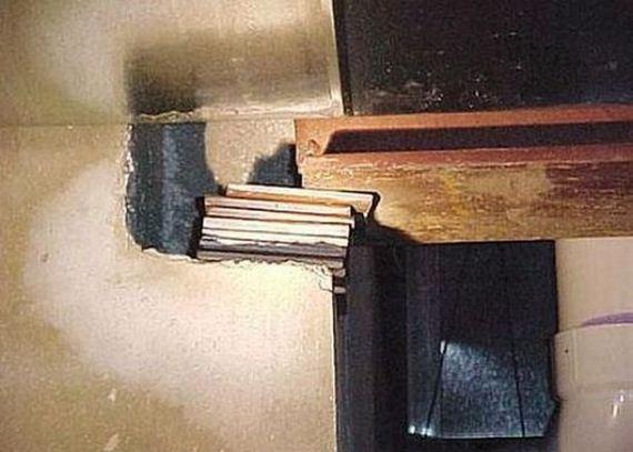 09-weird-house-repairs