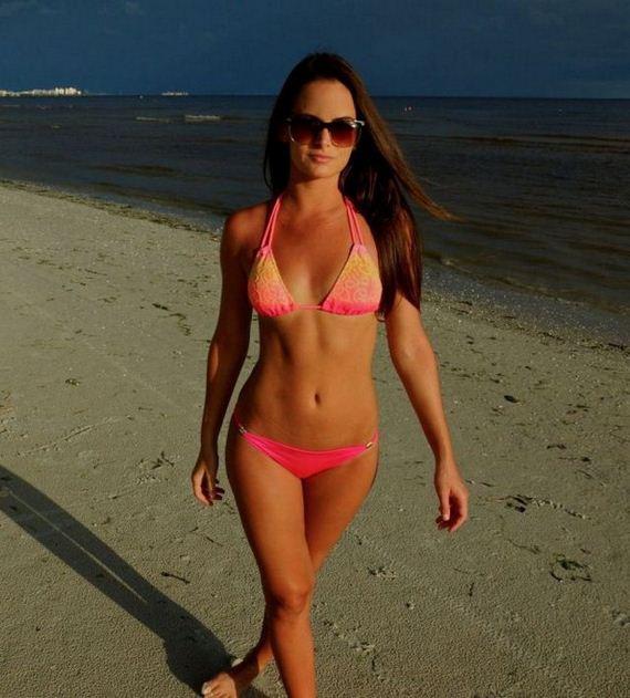 15-bikini-girls