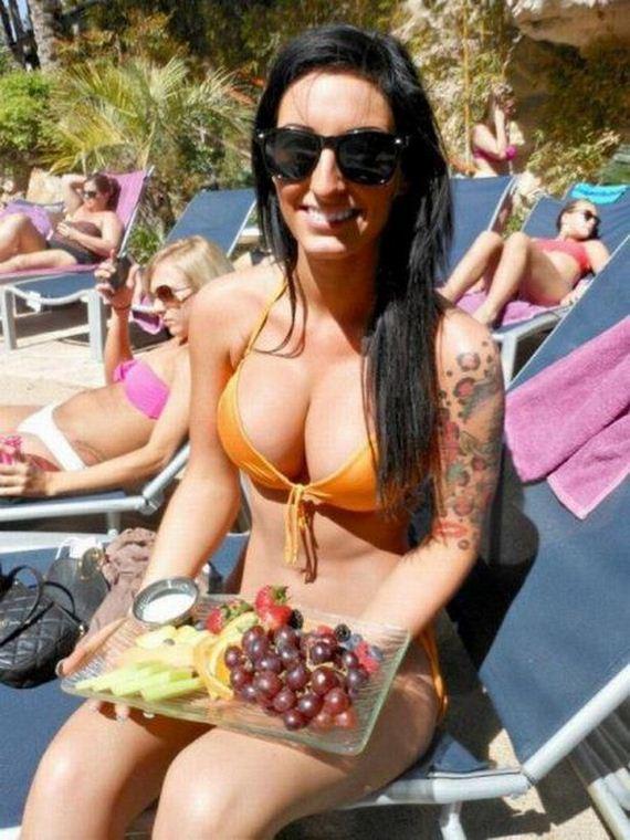15-girls-in-bikini