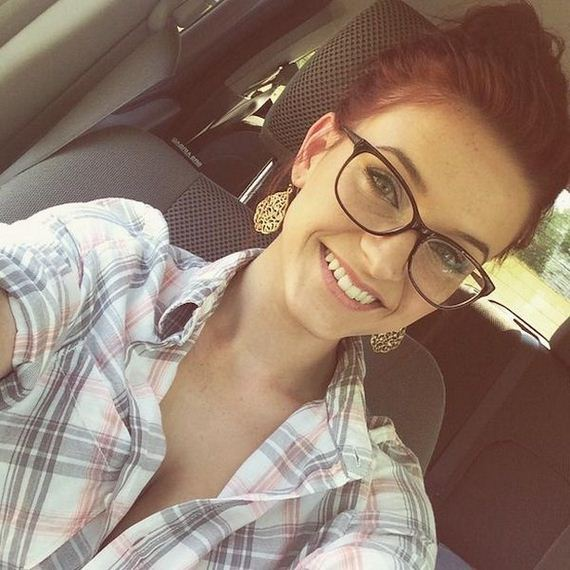 24-girls-with-glasses