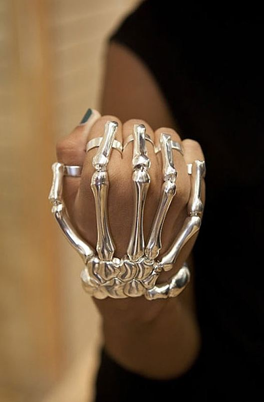cool-creative-rings-skeleton-hand
