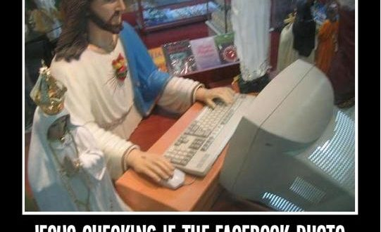 funny-jesus-computer-likes
