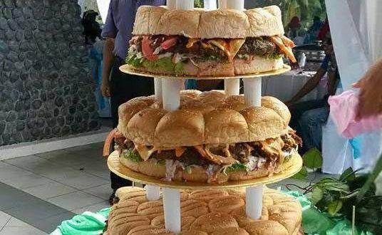 funny-cake-wedding-burger-giant
