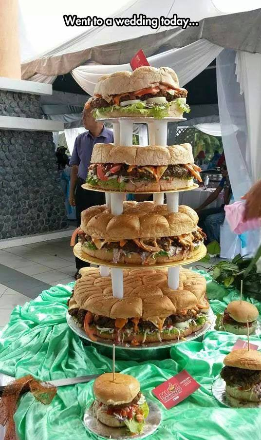 funny-cake-wedding-burger-giant