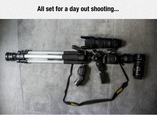 funny-camera-photograph-flash-weapon-leans