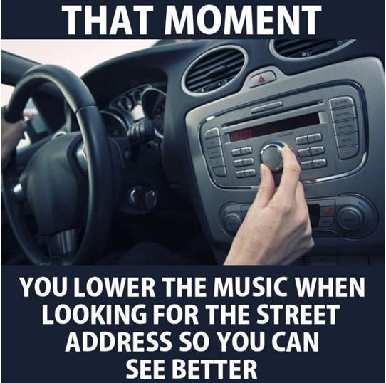 funny-turning-down-volume-car-lost