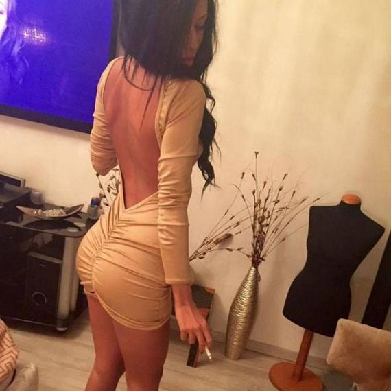 girls-in-tight-dresses-02-girls-in-tight-dresses