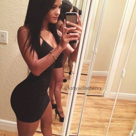 girls-in-tight-dresses-22-girls-in-tight-dresses
