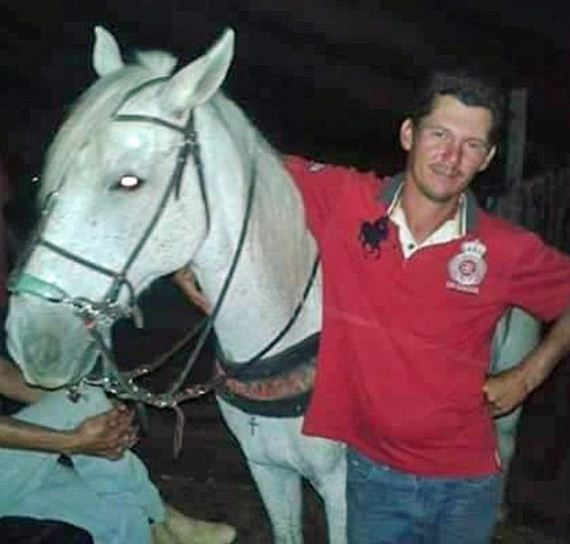 05-heartbreaking_horse