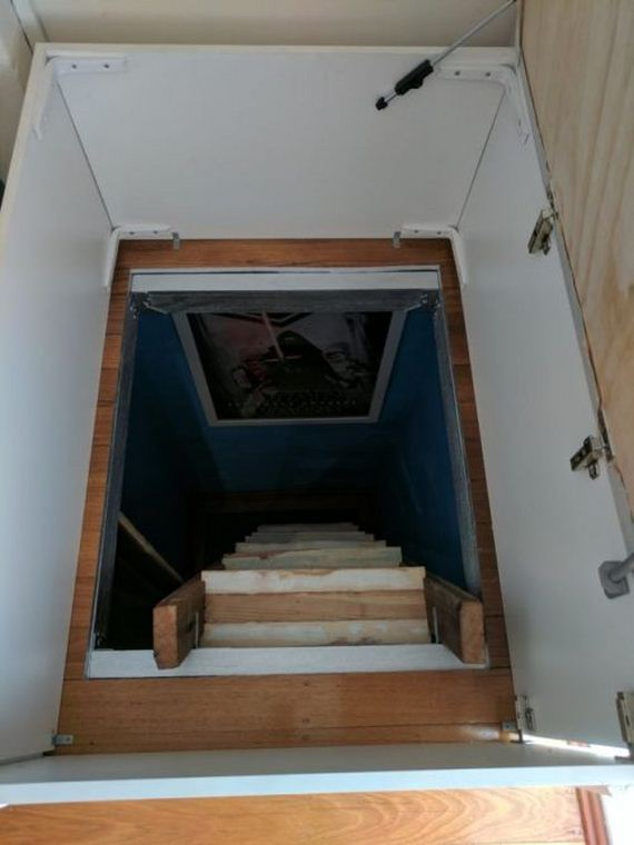 09-hidden_staircase_diy