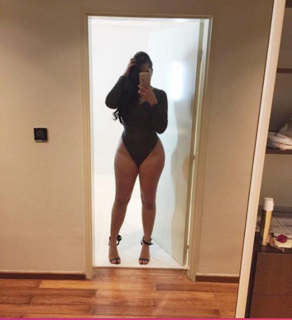 09-hot-instagram-sisters-get