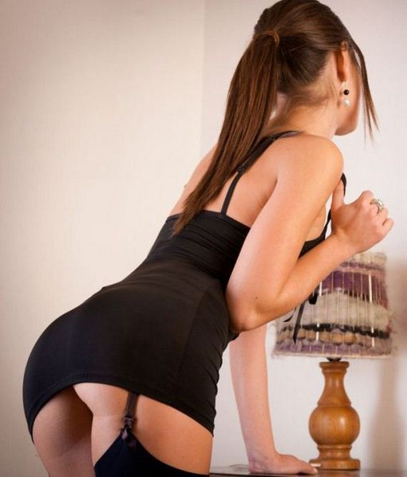 10-girls-in-tight-dresses