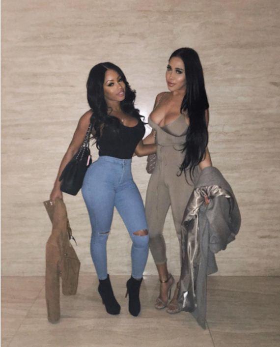 10-hot-instagram-sisters-get