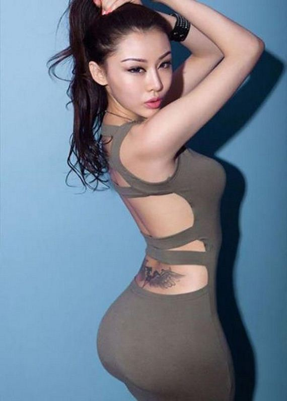 16-girls-in-tight-dresses