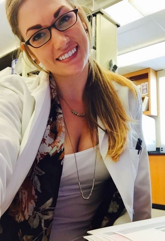 17-chivettes-bored-work
