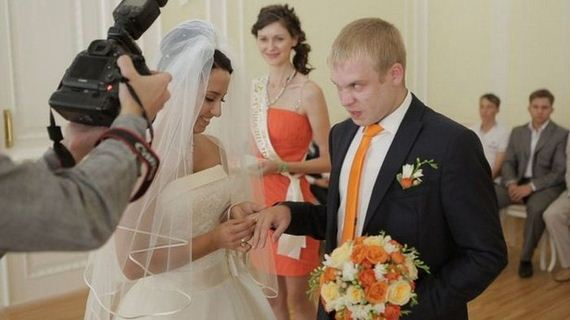 Most Awkward Wedding Moments Captured In Russia Barnorama