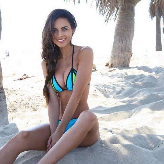 23-bikini-girls
