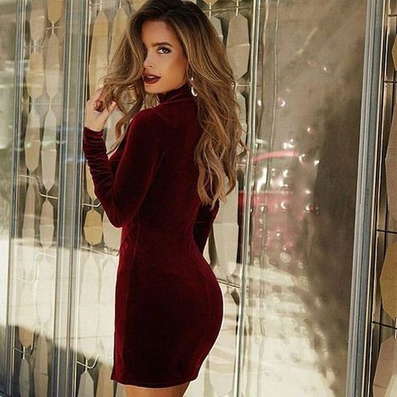 25-girls-in-tight-dresses