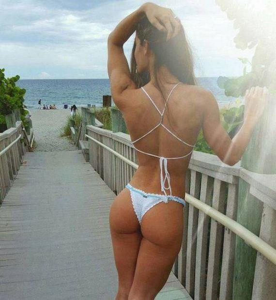 27-bikini-girls