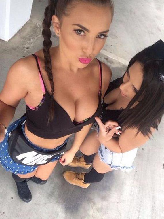 30-busty-girls