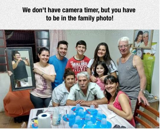 funny-family-photo-mirror