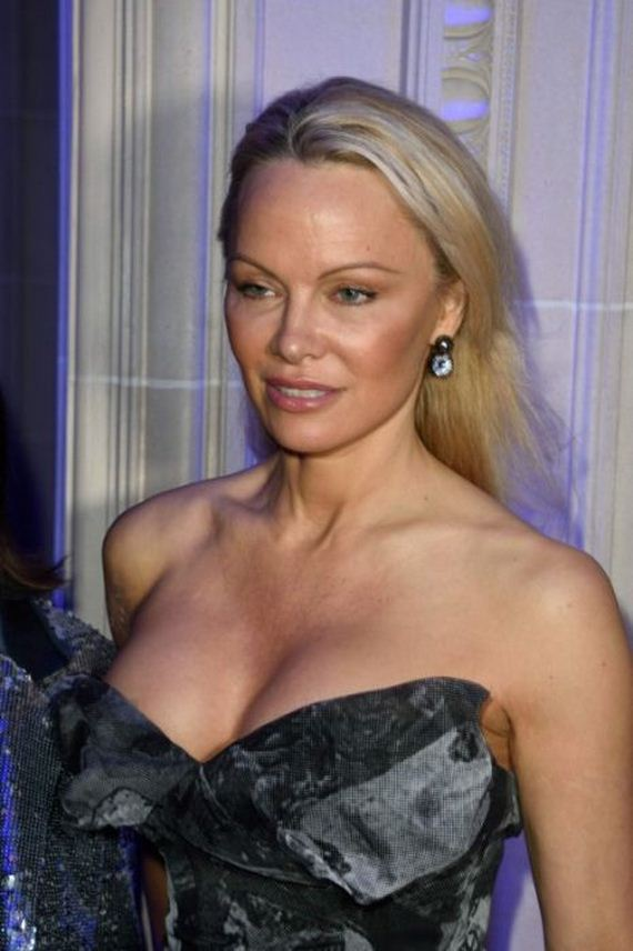 See What Pamela Anderson Looks Like Today - Barnorama