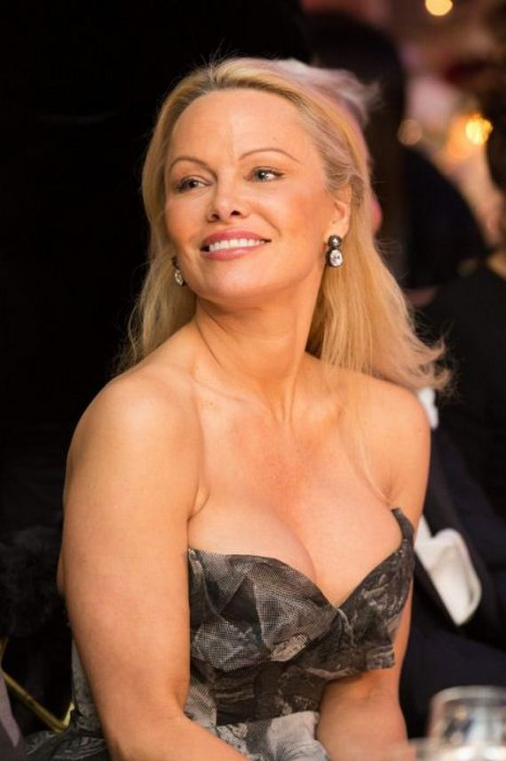 See what pamela anderson looks like today barnorama - Pamela anderson the people garden ...