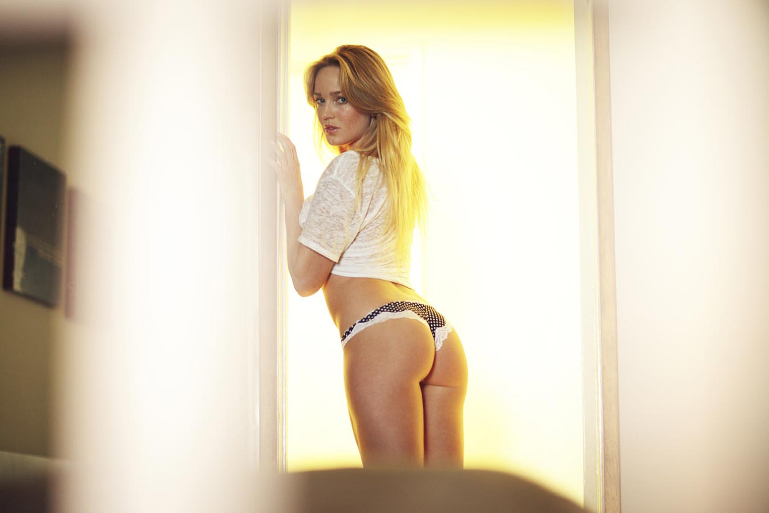 caity lotz hot