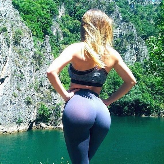 Yoga Pants Are A Things Everyone Loves