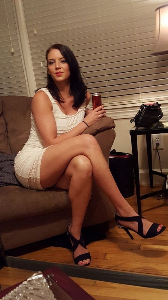 Hot girls got legs for days - Barnorama