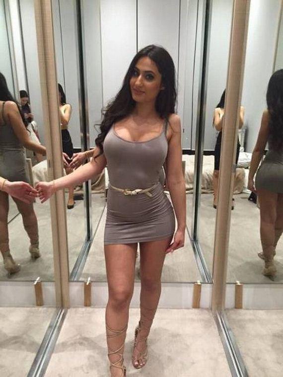 https://www.barnorama.com/wp-content/uploads/2017/05/10-tight-dresses.jpg