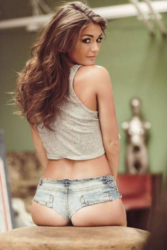 Pics of girls in tight shorts