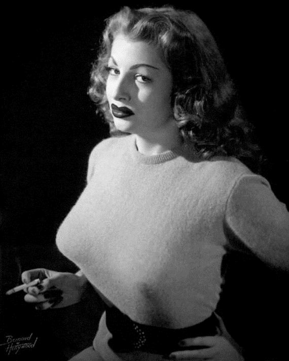 Bullet Bras Were A Big Deal In The 1940s And 1950s - Barnorama