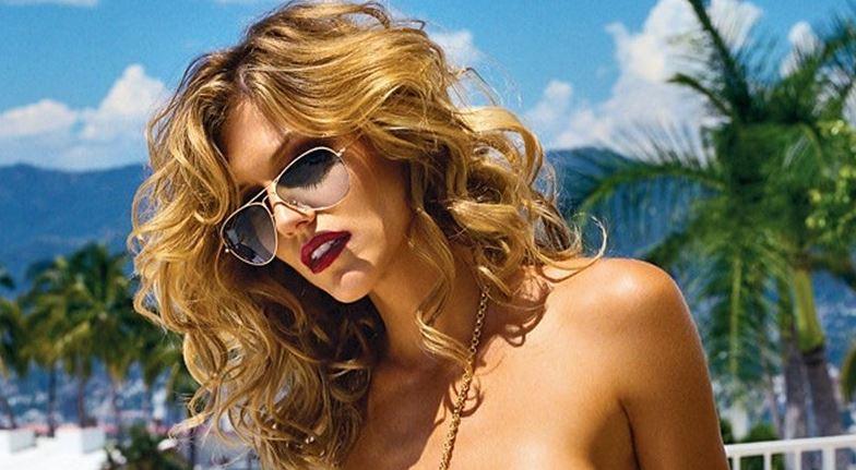 tricia helfer nude