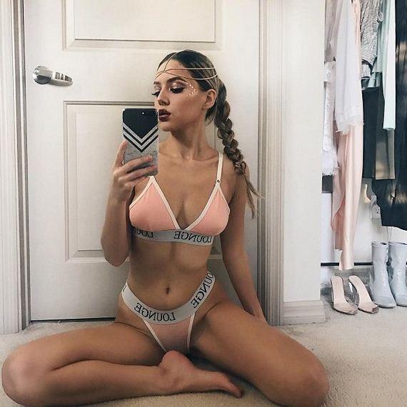 Hot And Gorgeous Valeria