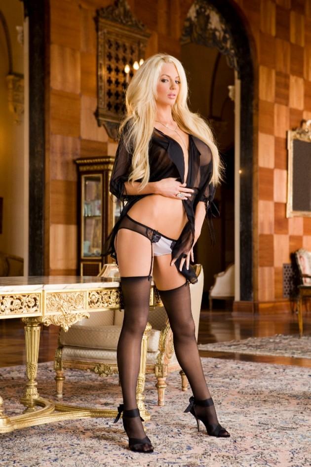 Nicolette Shea Hot