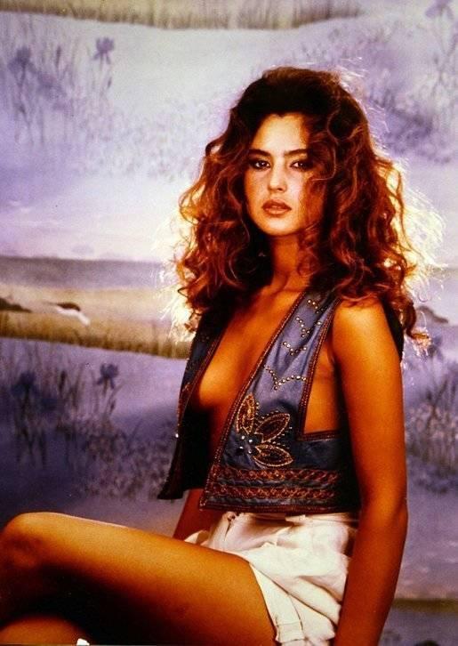 Hot Monica Bellucci Photos
