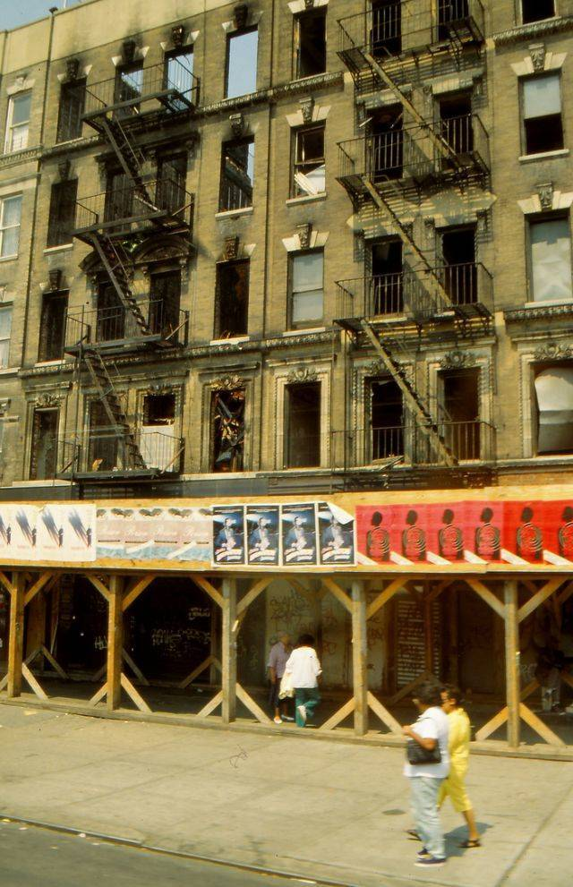 Most Interesting Facts >> Harlem, New York City, Almost 30 Years Ago - Barnorama