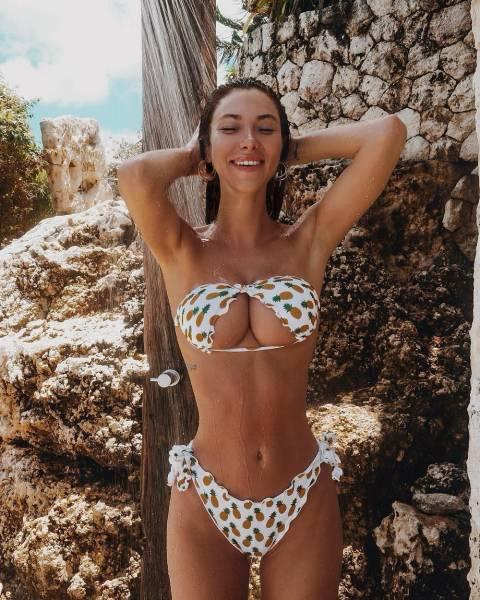 This New Upside Down Bikini Trend - Barnorama-8089