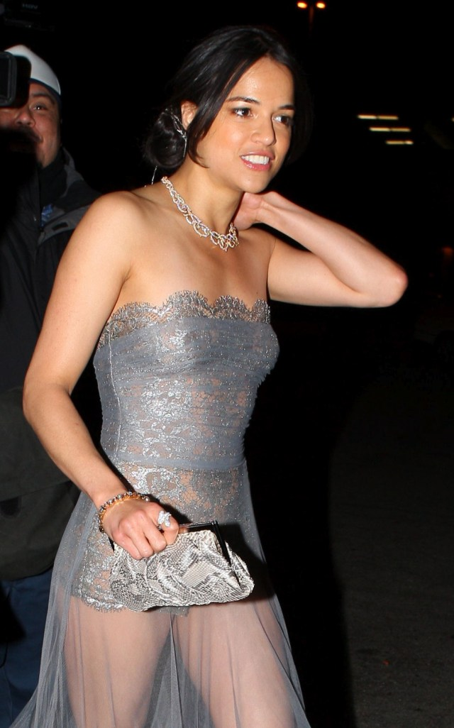 Michelle Rodriguez Sideboob   Hot Celebs Home