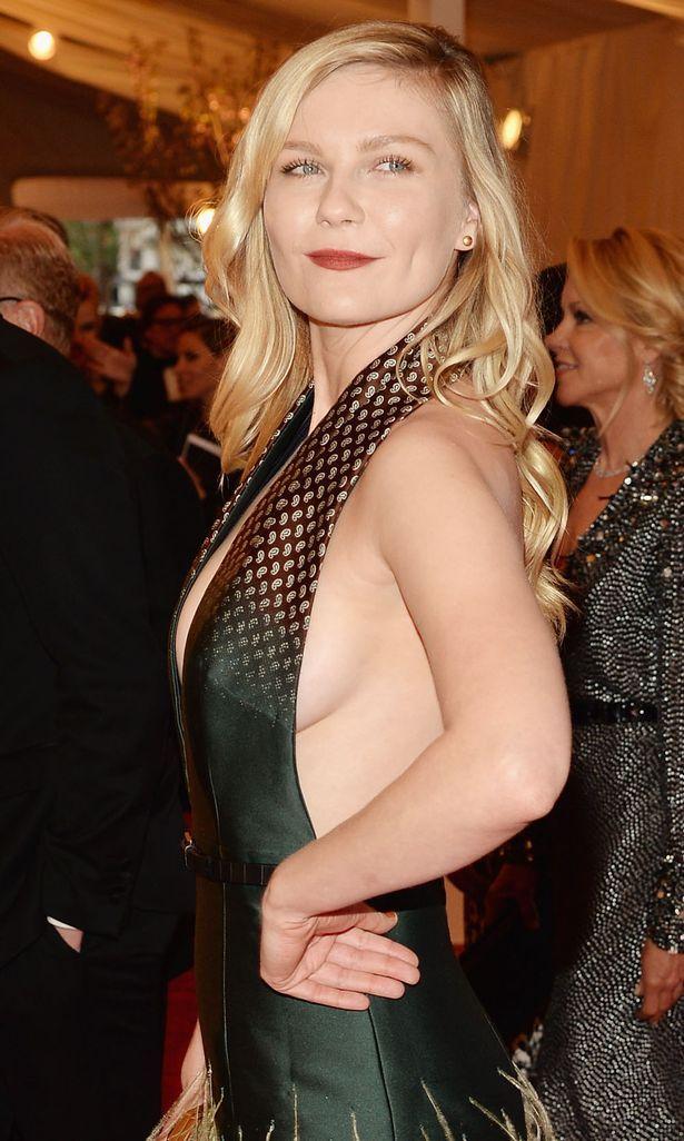 Kirsten Dunst Zeigt Ihre Brüste Und Fotze