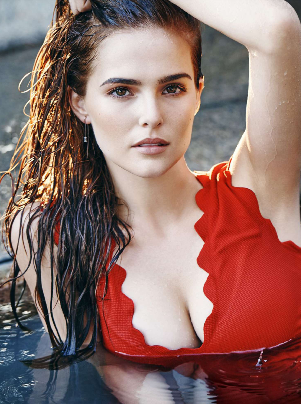 The Sexiest Zoey Deutch Pictures Ever
