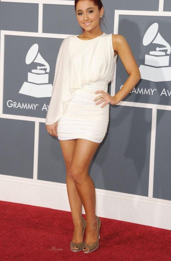 Legs ariana grande Ariana Grande's
