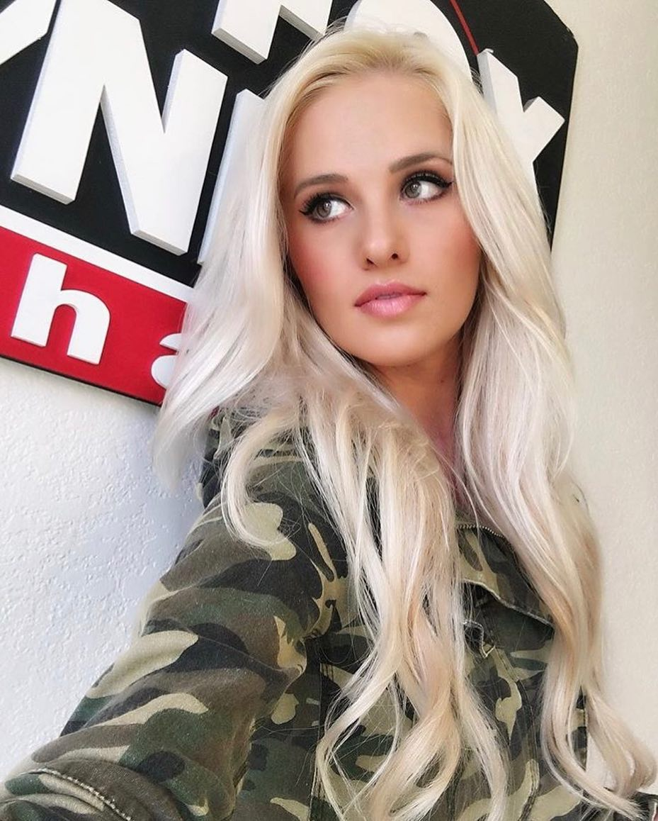 The Hottest Tomi Lahren Photos Barnorama