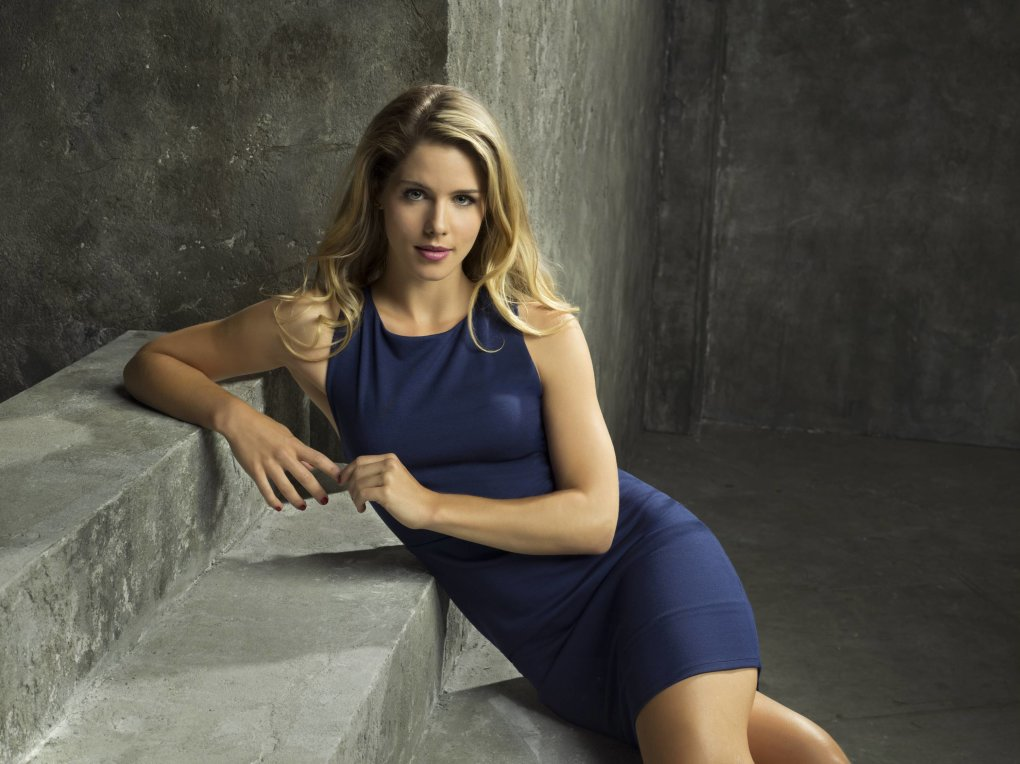 Hot Emily Bett Rickards Photos Barnorama
