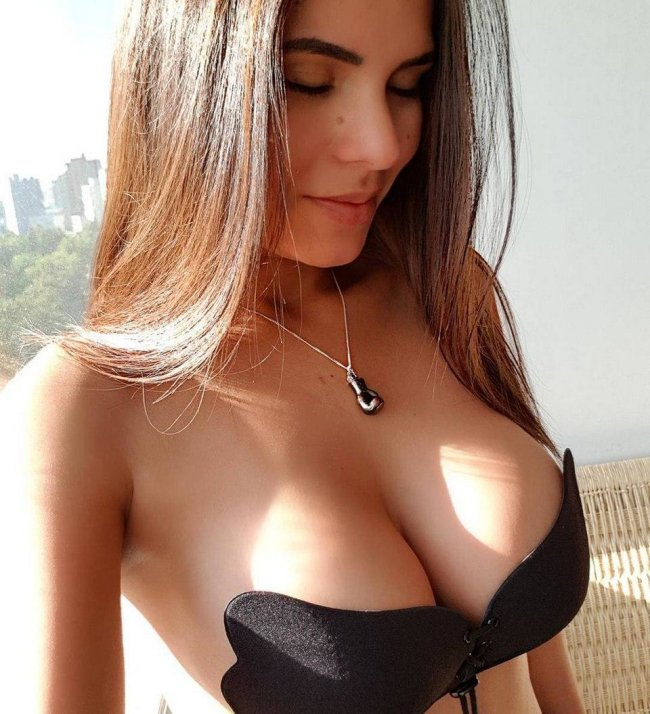 Young girl model virgin pussy